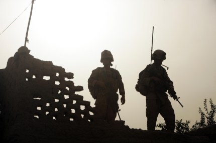 (Official Marine Corps photograph by Cpl. Andrew J. Carlson)